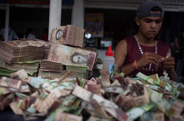 Что делать с деньгами в кризис: доллары, инвестиции, банковские вклады (опыт предпринимателей)