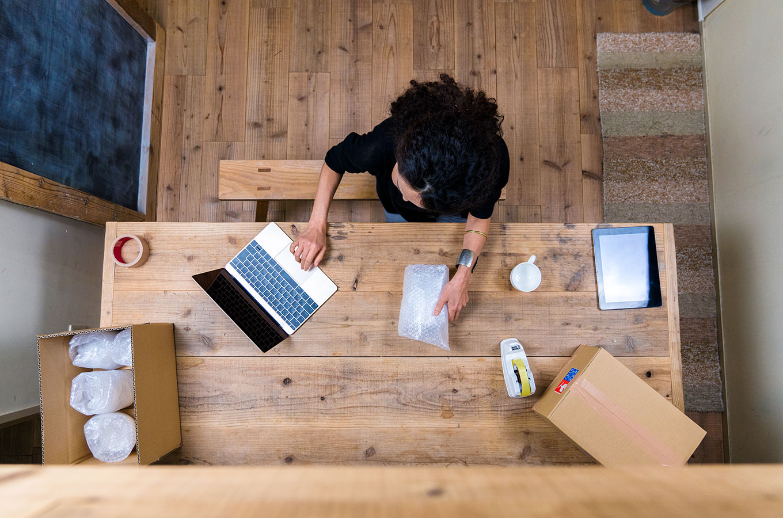 Шопинг в соцсетях, бум каршеринга и смерть магазинов: главные тренды интернет-торговли