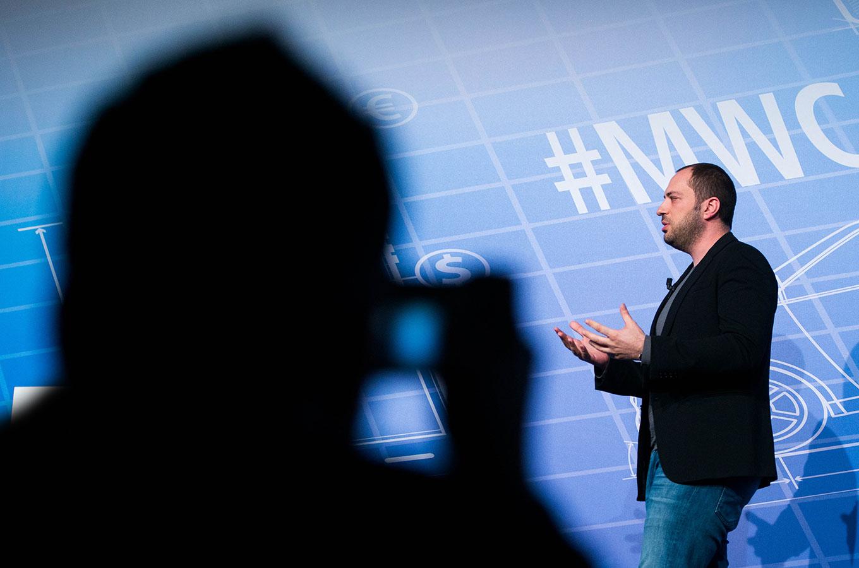 История Яна Кума и мессенджера WhatsApp: набрать миллиард юзеров безпродвижения ивытрясти изЦукерберга $19 млрд