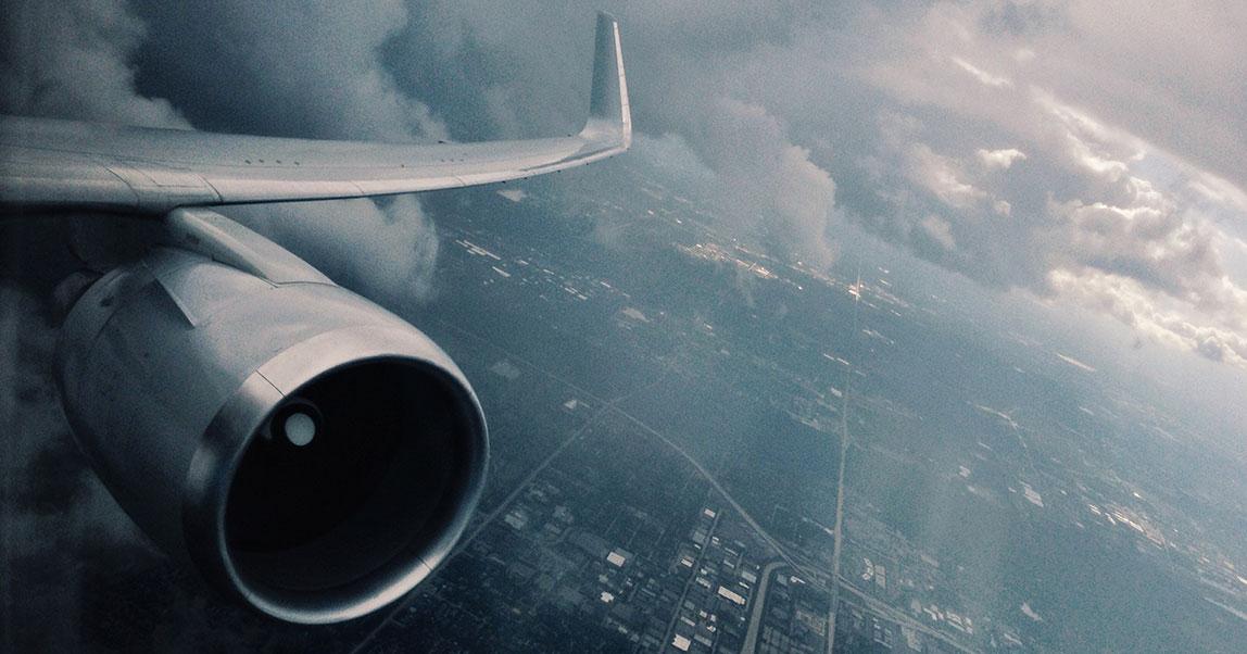 «Победа» и её беды. Кофр Василия Ланового и другие скандалы главной российской бюджетной авиакомпании