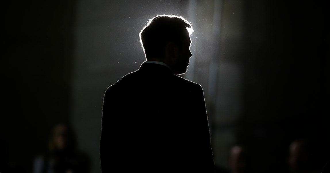 Илон Маск: «Быть предпринимателем — это как жевать стекло, глядя всмертельную бездну»