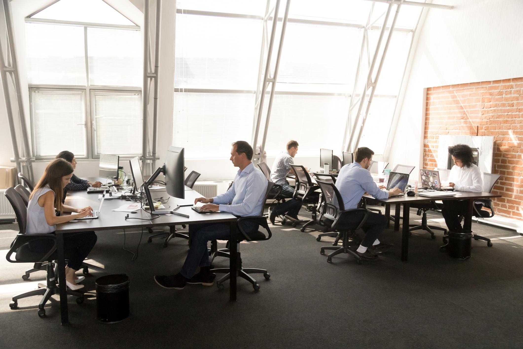Число работников малых и средних предприятий за год уменьшилось на 800 тысяч