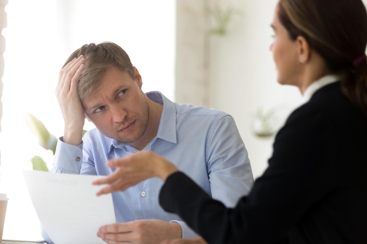 «Унизить клиента — эффективная техника продаж». Основатель amoCRM назвал 6 способов унизить покупателя