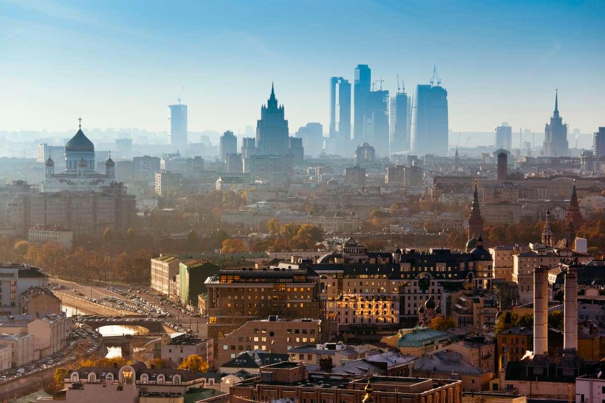 Названы 10 самых дорогих городов для экспатов