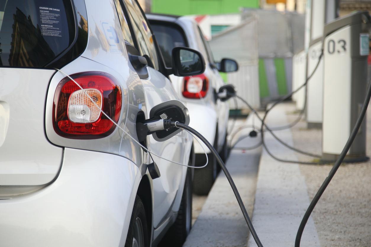 В 2020 году мировые продажи электромобилей выросли на 43%. Дальше они будут расти ещё быстрее, прогнозируют эксперты