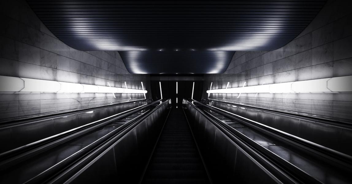 Осторожно, двери закрываются! История московского метро от первого поезда до наших дней
