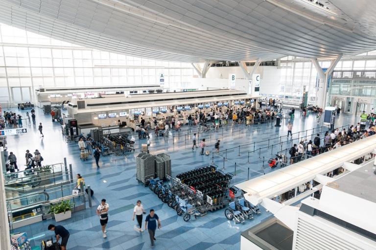 Япония обязала всех въезжающих в страну устанавливать приложения по отслеживанию местоположения и Skype