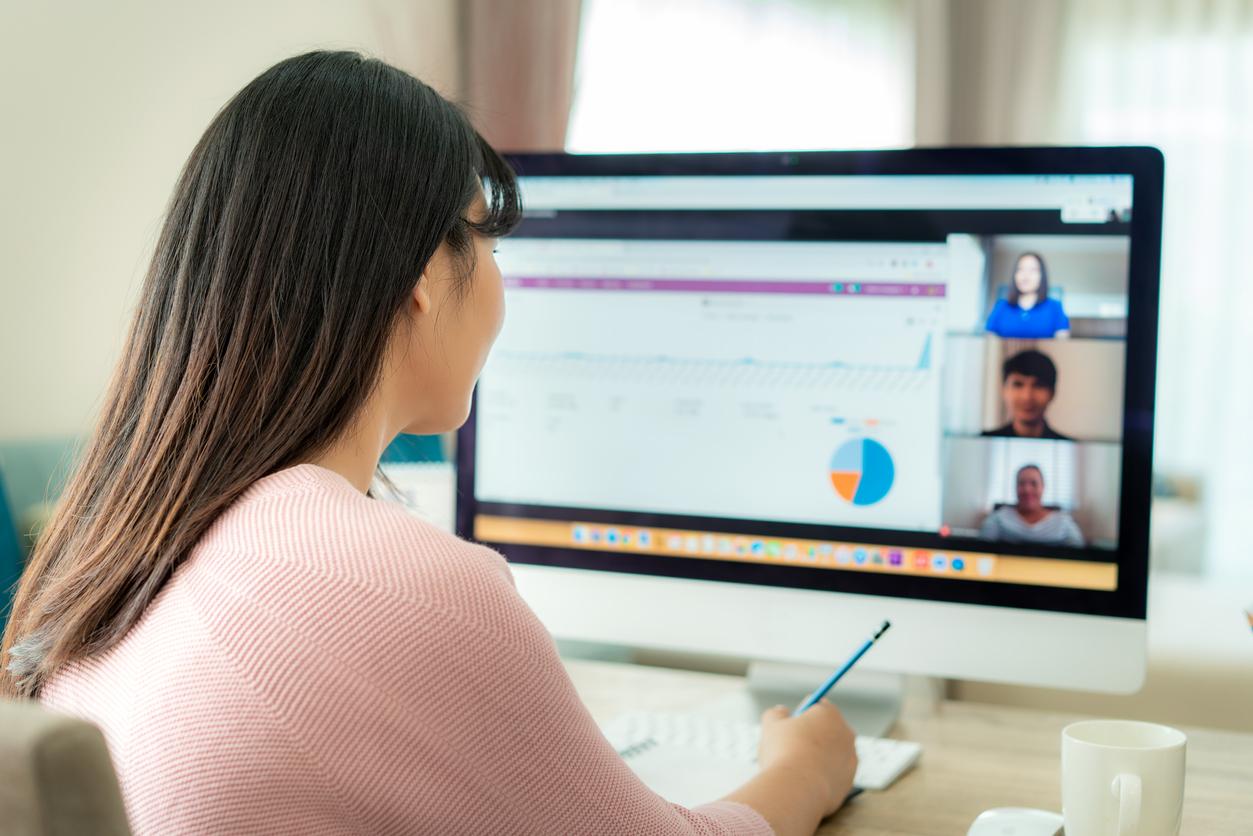 Менеджерам стоит меньше говорить и больше слушать подчиненных, показало новое исследование