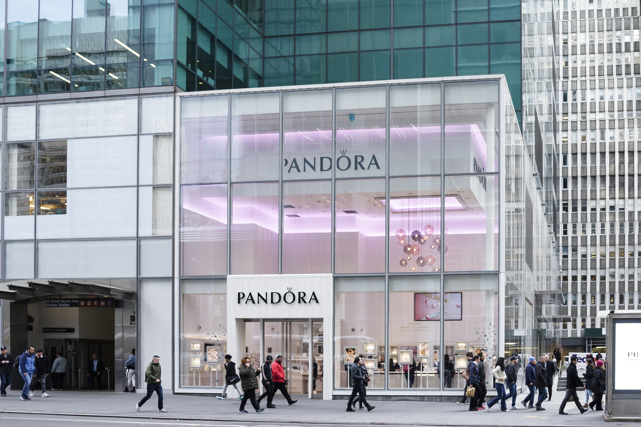 Акции Pandora выросли на 9% после отказа от натуральных алмазов