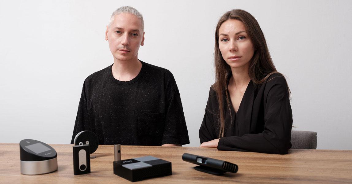Двое дизайнеров помогали делать «Яндекс.Станцию» и SberPortal, чуть незадохнулись в Китае ипридумали измеритель качества воздуха. История notAnotherOne