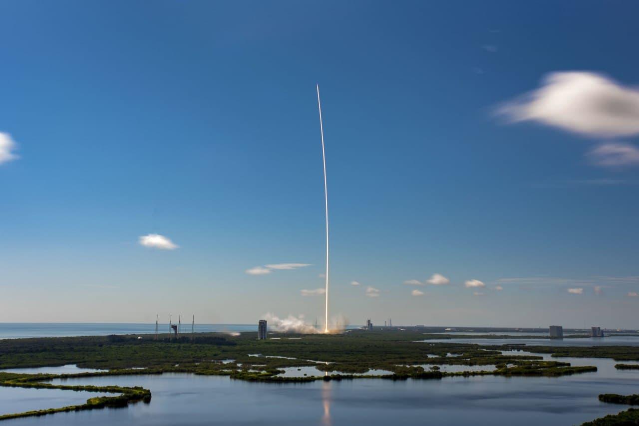 Пентагон разрешил SpaceX повторно использовать ракеты для военных миссий