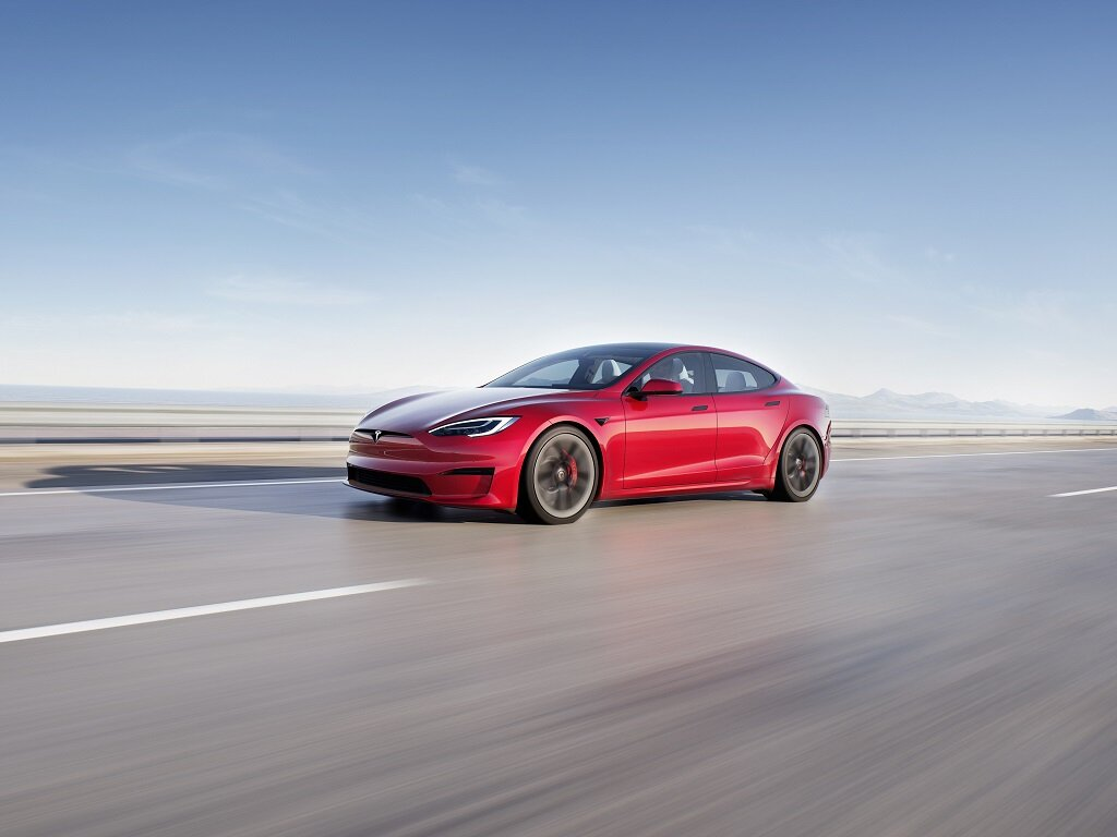 Илон Маск представил самый быстрый электромобиль Tesla
