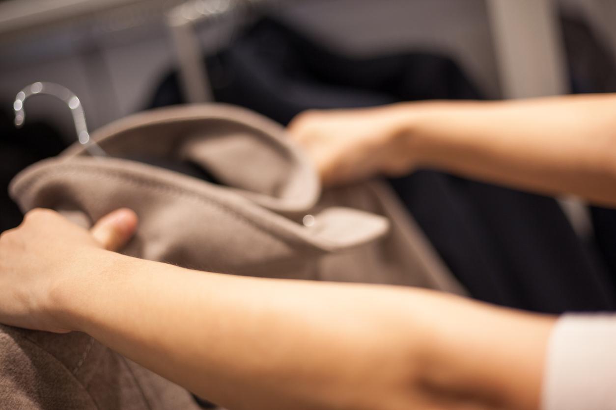 Российские ретейлеры предупредили о скором росте цен на одежду и обувь
