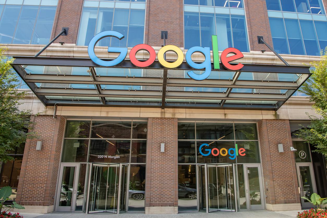 Google оштрафовали на 2 млн руб. за отказ удалить запрещенную информацию