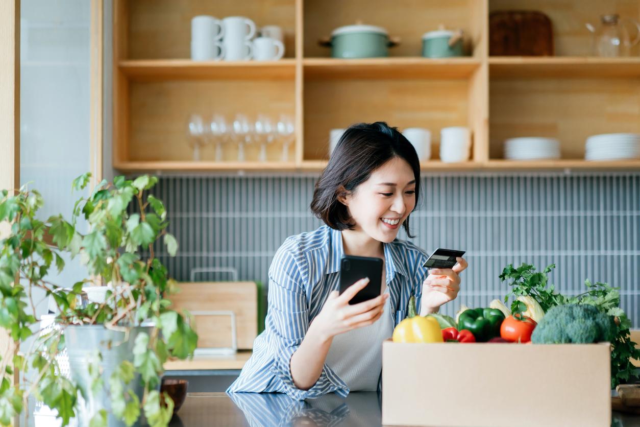 Онлайн-продажи продуктов за полгода выросли почти втрое