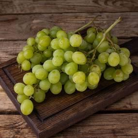 Виноград зеленый