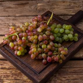 Виноград Кишмиш розовый