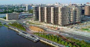 На набережной у «ЗИЛарта» построили первый в Москве причал с амфитеатром