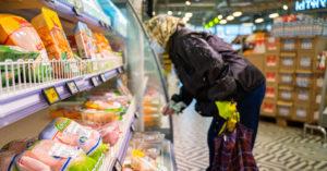 Несмотря ни на что, 57% москвичей отказались покупать продукты онлайн