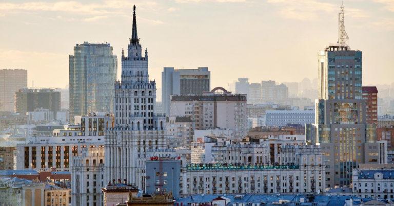 взять машину в аренду в москве на год