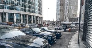 В Москве проданы два самых дорогих машино-места в России