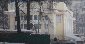 «Изуродовали». Жители возмущены реконструкцией исторического павильона на Патриарших