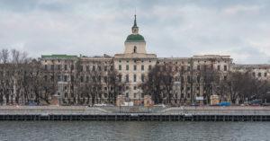 Рядом с Кремлем началась реставрация пустующего Императорского воспитательного дома