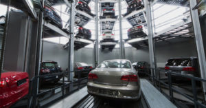 В Москве за год почти на четверть упали продажи машин