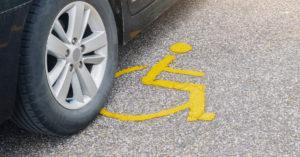В Хамовниках жители дома закрасили знак парковки для инвалидов, одобренный префектурой