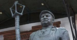 Деятели культуры в открытом письме просят Путина увековечить память Лужкова