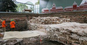 Древняя усадьба в Кремле, странная чаша и что еще раскопали московские археологи