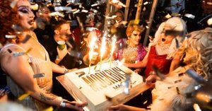 Как прошел день рождения «Москвич Mag» в баре «Интеллигенция»