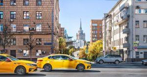 Платим больше: агрегаторы такси начали вводить сервисные сборы