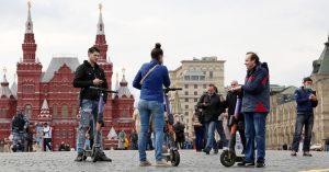 На Красной площади и в Александровском саду могут запретить кататься на самокатах и велосипедах