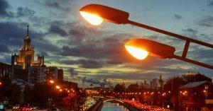 Московский свет: прямо сейчас с заменой фонарей уходит целая эпоха родного освещения