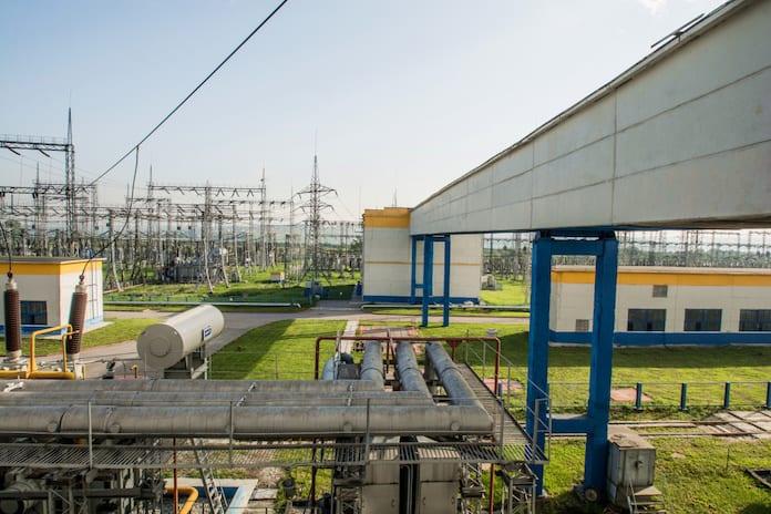Выдача мощности от ГРЭС в Кузбасскую энергосистему идет с открытых распределительных устройств (ОРУ)