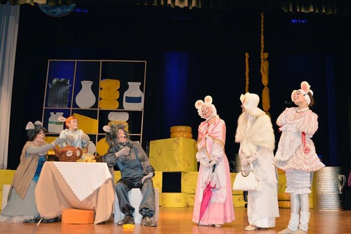 «Все мыши любят сыр» — премьера спектакля в Бачатском