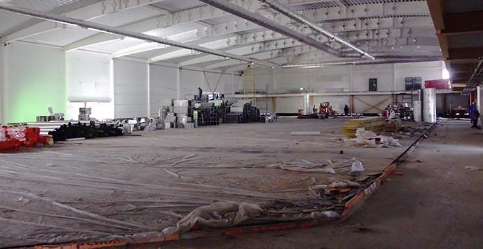 Строительство ледового дворца спорта в поселке Бачатский, июль 2019