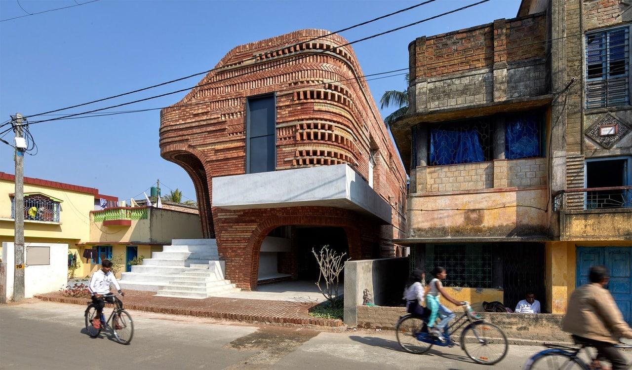 центра в Бансберии, Индия