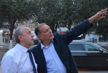 Балаково - Энгельс - далее вся область. Александр Стрелюхин становится правой рукой губернатора Радаева