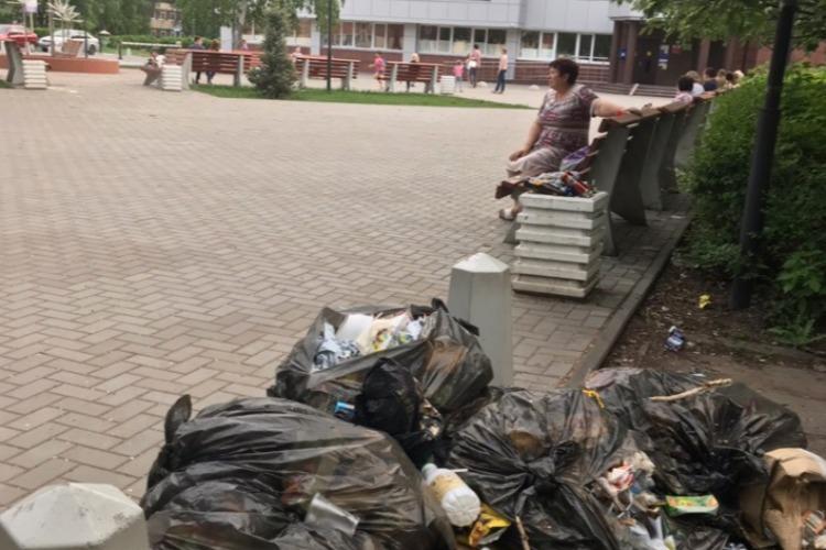 Пусть гости города увидят. В 7-ом микрорайоне пополняется мусорная гора