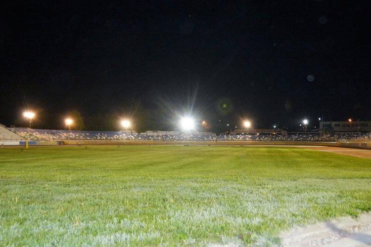 На стадионе Труд установили новые прожекторы