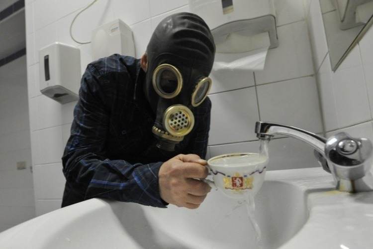 Власти займутся зловонной водой в Пылковке