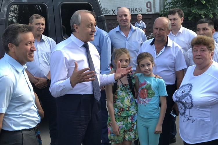 Губернатор поможет Балакову с дорогами и откроет на днях новый завод