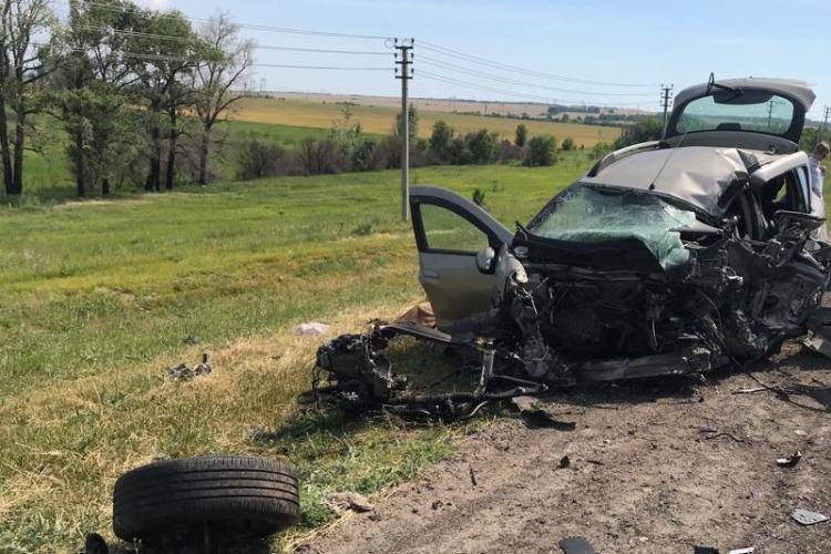 Под Балаковом при столкновении грузовика с легковушкой погиб человек