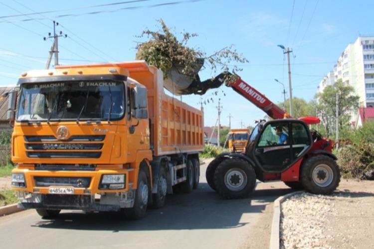 Из поселка Сазанлей вывезли мусор