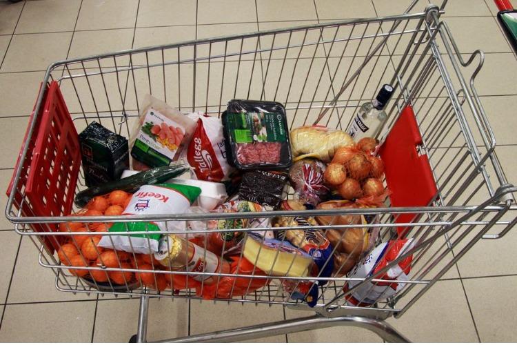 Саратовстат объявил стоимость минимального набора продуктов питания