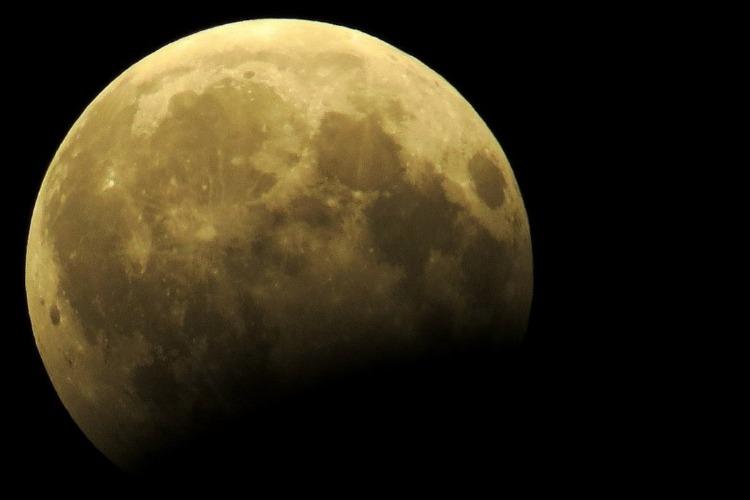 Не пропусти лунное затмение сегодня ночью