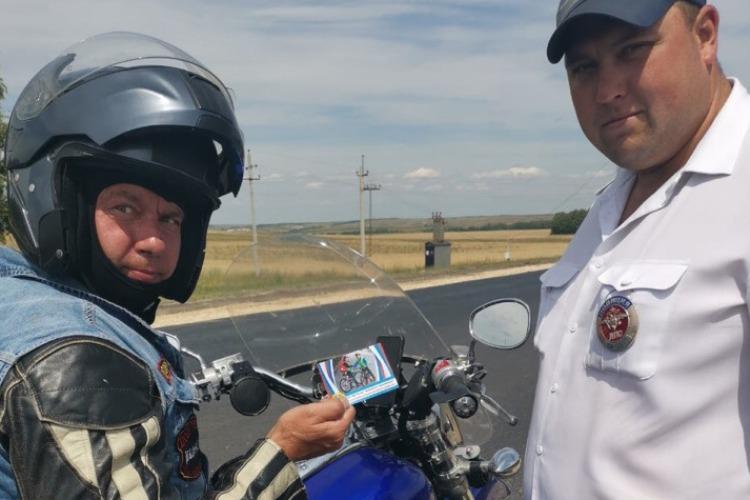 Гаишники напомнили мотоциклистам о безопасности. Фото