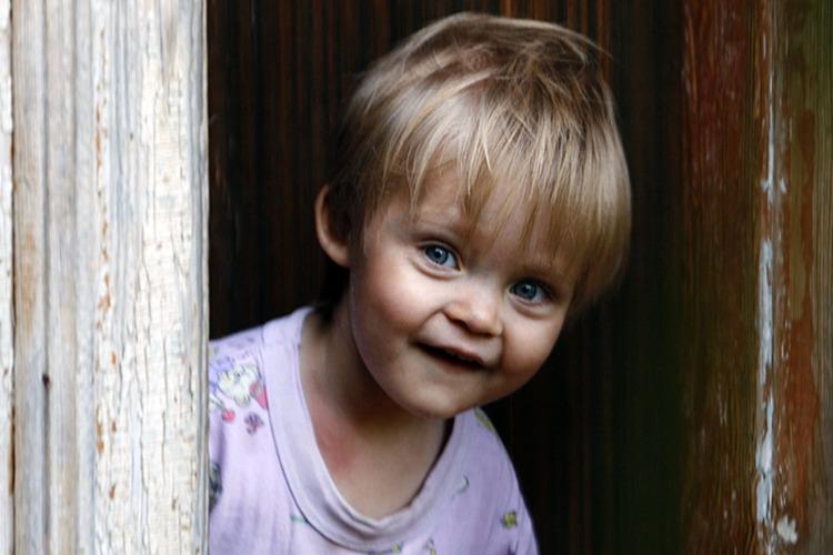 За месяц в кровные семьи возвратили 124 ребенка